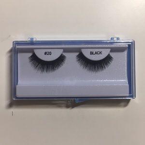 LUCIOUS fake eyelashes!!